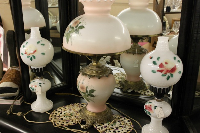 shopatblu-the-blue-building-consignment-antique-store-vintage-lamps