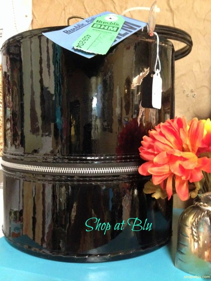 shopatblu-the-blue-building-vintage-wig-box