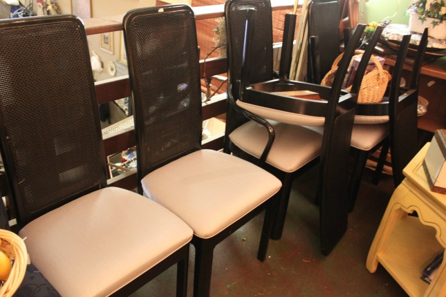 the-blue-building-antiques-consignment-black-laquer-dining-chairs
