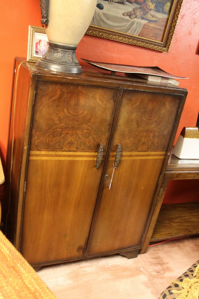 the-blue-building-antiques-consignment--small-wardrobe