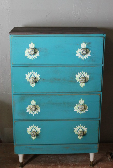 the-blue-building-shopatblu-upcycled-chest-dllawless-hardware-after