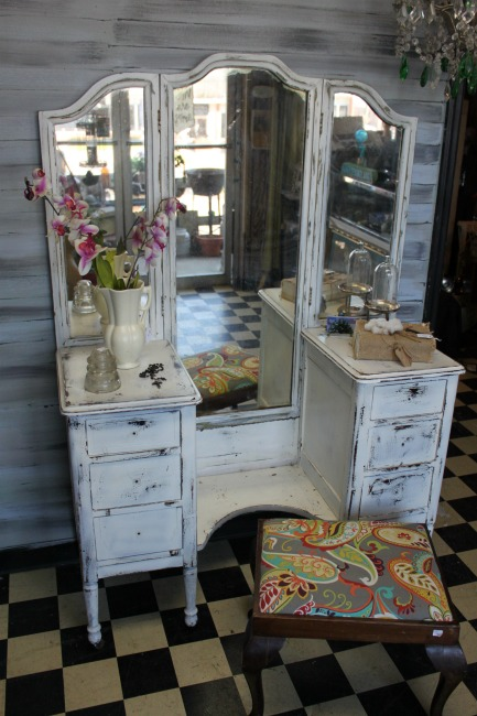 the-blue-building-shopatblu-worlds-best-paint-sprayer-homeright-white-shabby-vanity