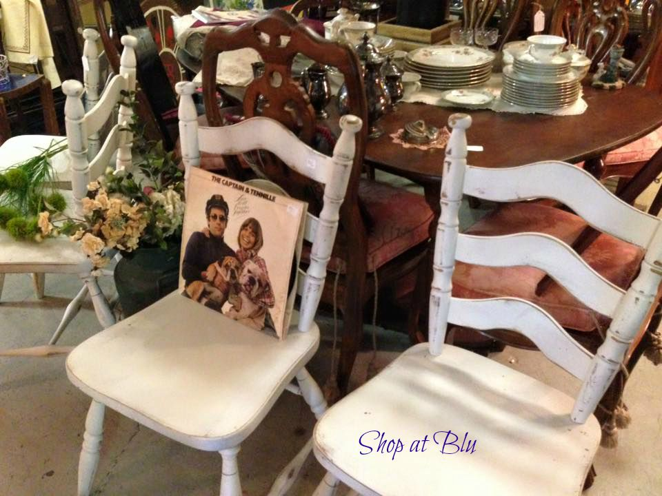 shopatblu-the-blue-building-white-shabby-chairs