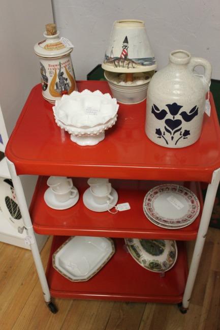 the-blue-building-antiques-consignment-vintage-kitchen-cart