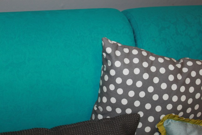 the-blue-building-shopatblu-fab-furniture-flipping-contest-spray-paint-fabric-sofa-turquoise-sofa-close-up-back