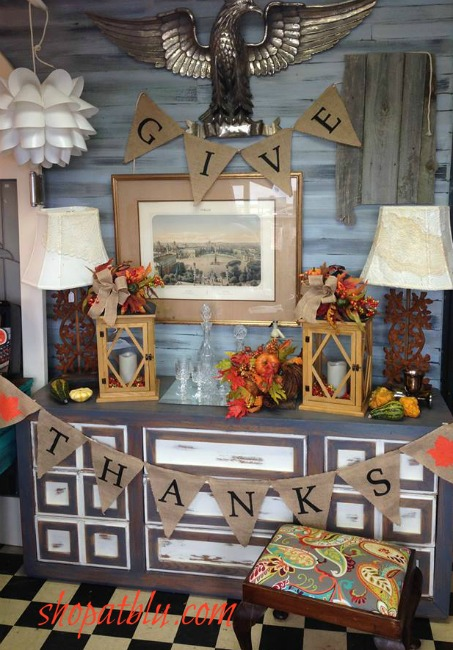 Thanksgiving home decor at the blue building for Thanksgiving home decorations