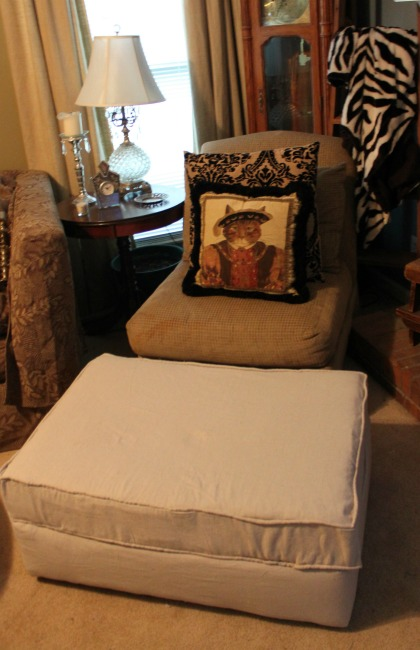 the-blue-building-shopatblu-reupholster-an-ottoman-staged-full-3