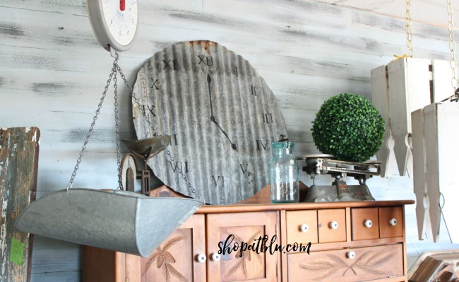 The Blue Building Antiques, Alabaster AL Make a clock from recycled vintage metal clock