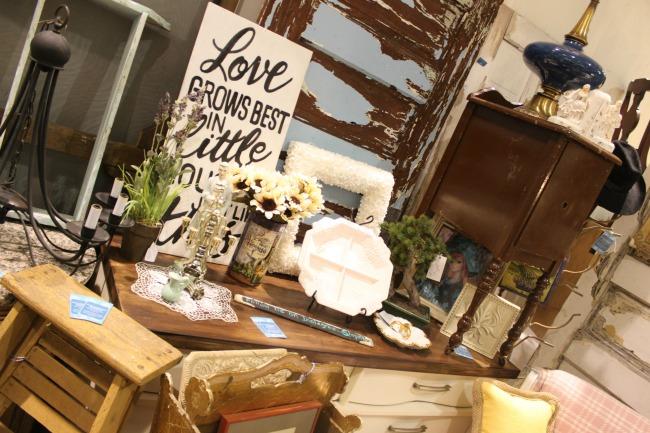 The Blue Building Antiques, Alabaster AL Vintage Market Days of Mobile Love Sign