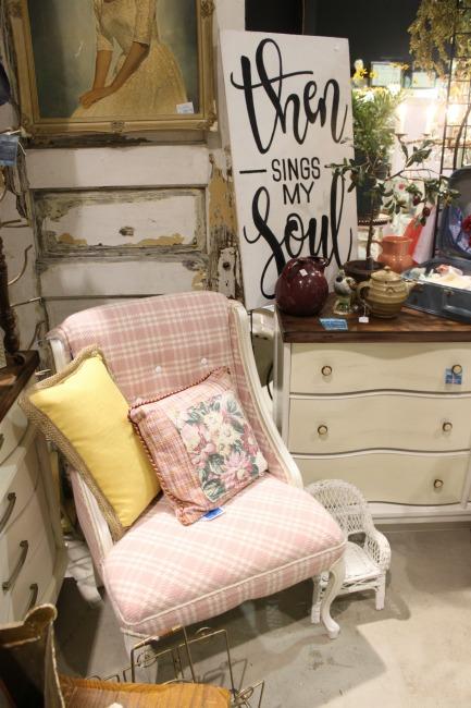 The Blue Building Antiques, Alabaster AL Vintage Market Days of Mobile Pink Upholstered Chair